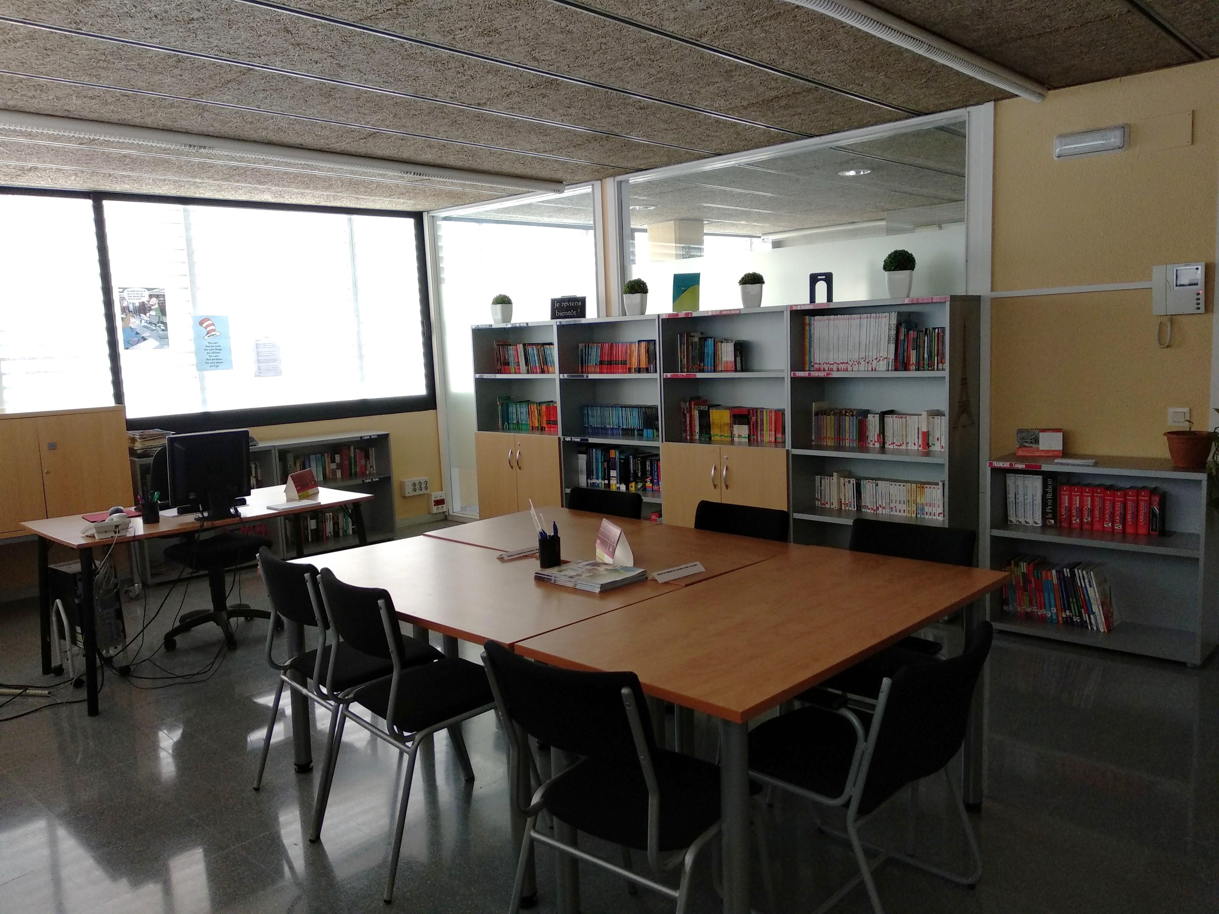 Biblioteca EOI Mollet