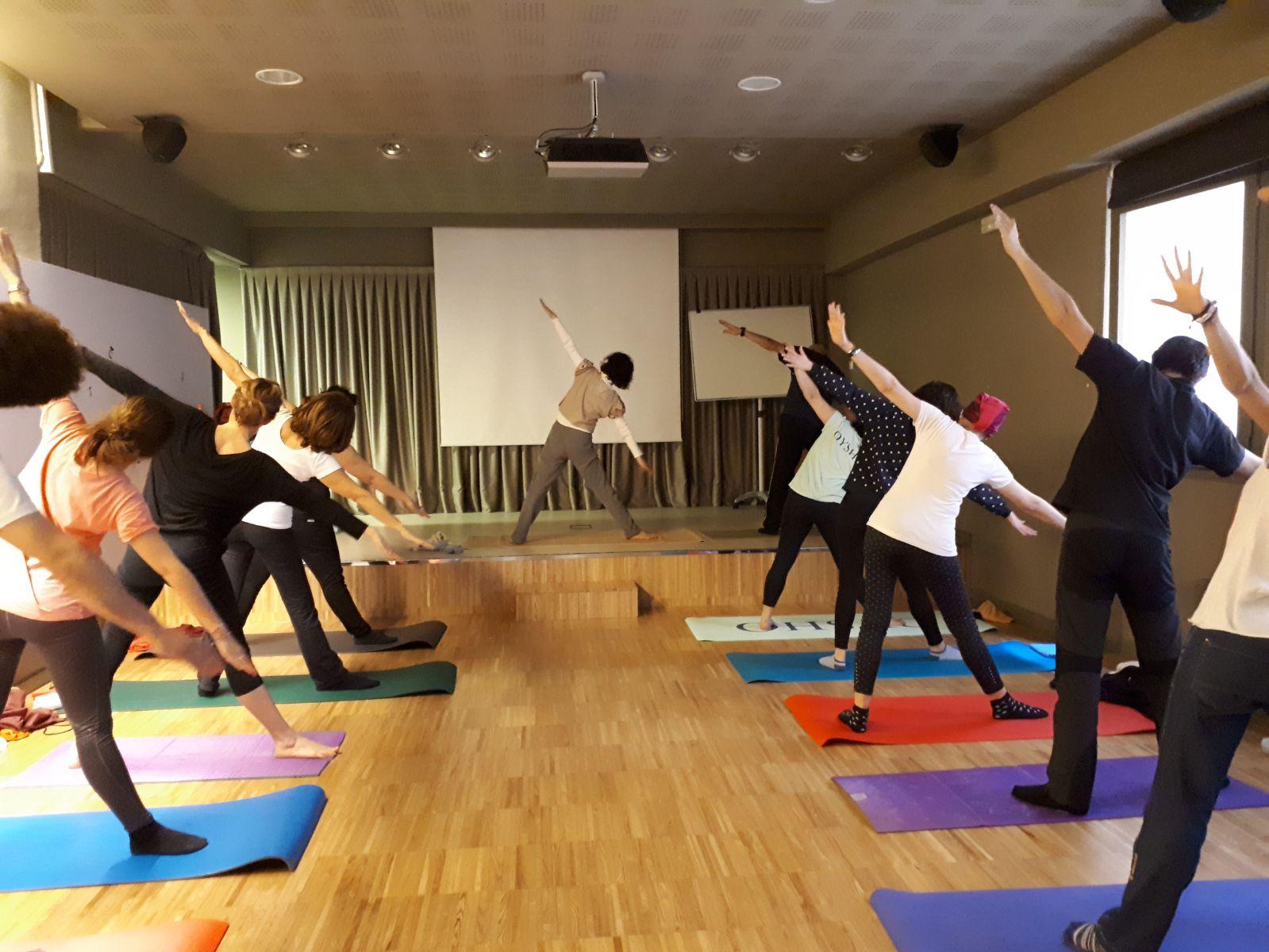Fem ioga en anglès